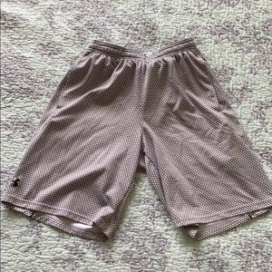 Gym shorts size small under armour